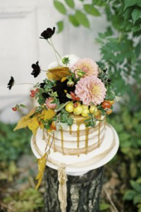 Autumn Wedding Cake, flowers on wedding cakes